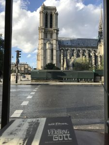 Der Blick aus dem Bistro nach dem Anschlag.