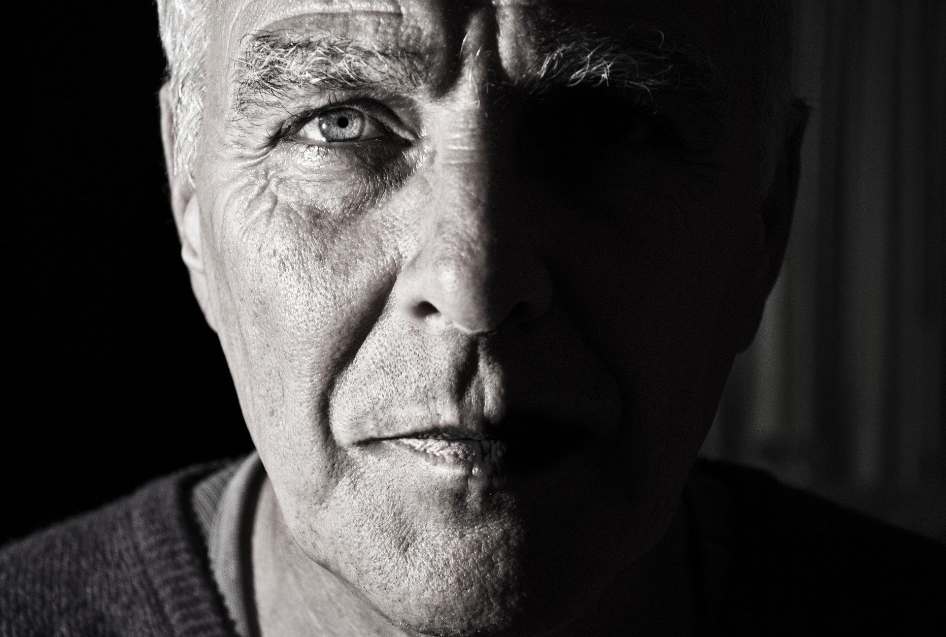 So erkennst du, dass du alt wirst (oder schon bist)