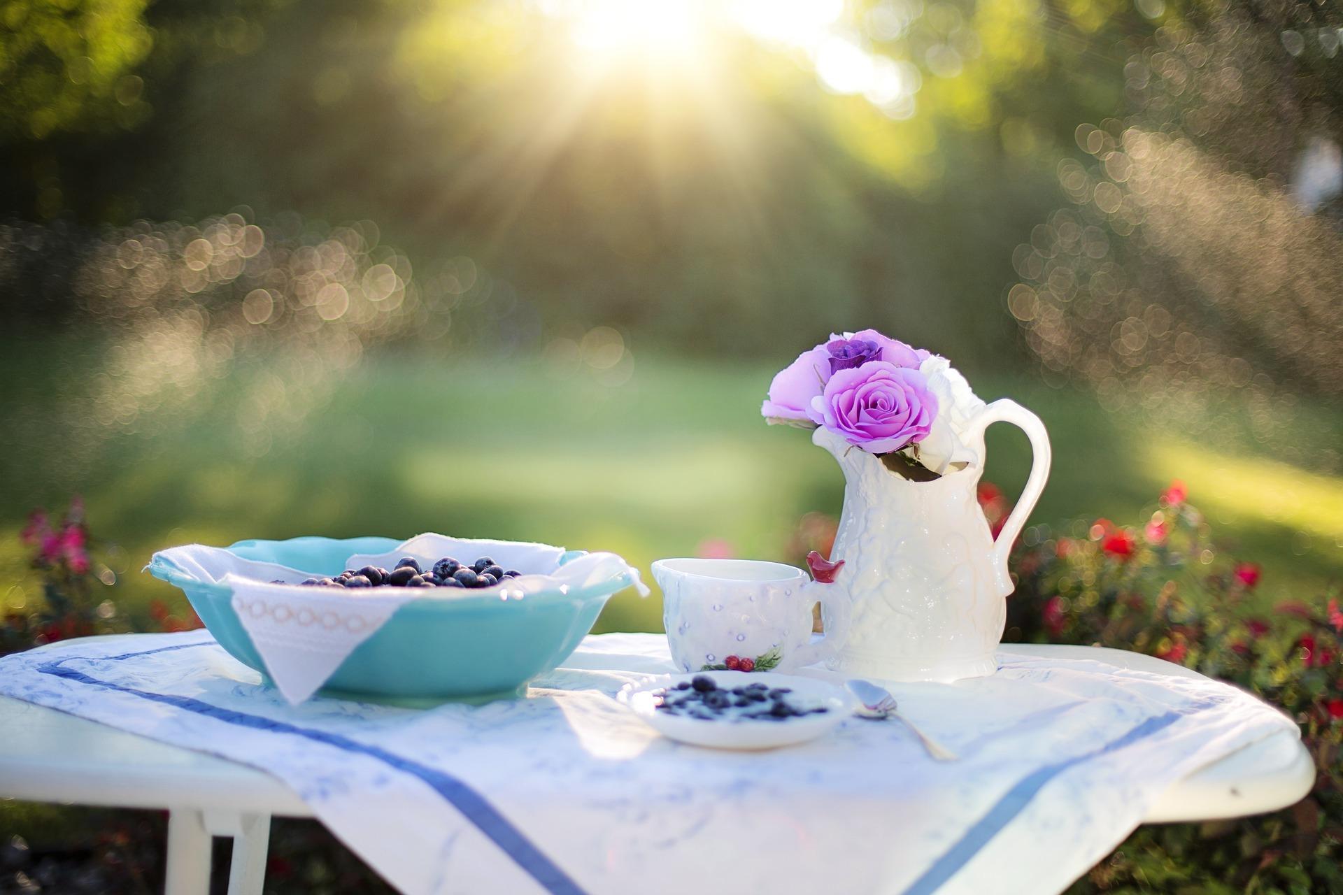 Early Bird sein - Frühstück im Garten